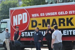 © Max Bassin, NPD-Wahlkampf auf dem Heumarkt am 21.08.2013