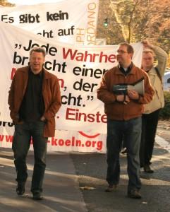 © Redaktion Kein Veedel für Rassismus - Fotoinfo: Markus Beisicht und Markus Wiener mögen sich nicht mehr.