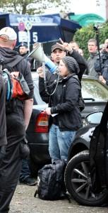 © Redaktion Kein Veedel für Rassismus - Fotoinfo: Melanie Dittmer als Ordnerin bei Hogesa am 25.10.15